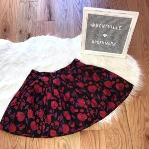 Fully Lined Floral Pleated Mini Skirt Size 25